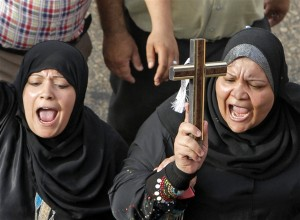 donne con croce