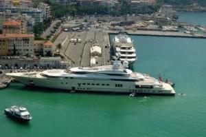 Teodorin yacht