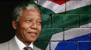 Mandela e affresco bandiera