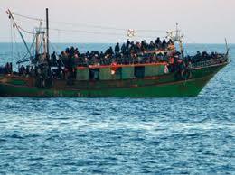 Barcone di profughi 2