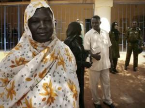 Women-outside-Omdurman-Prison-AP