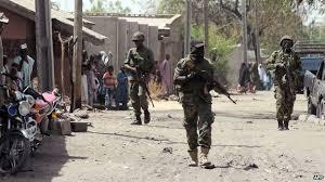 soldati in perlustrazione