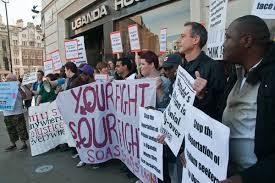 Protesta all'ambasciata