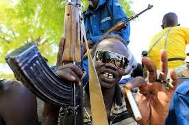 militare copn occhiali a specchio