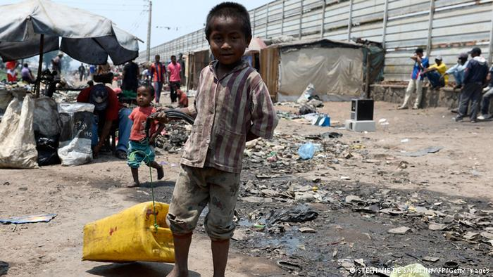 bimbo in slum