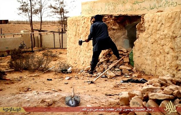 Isis tempio sufi distrutto Libia (Twitter)