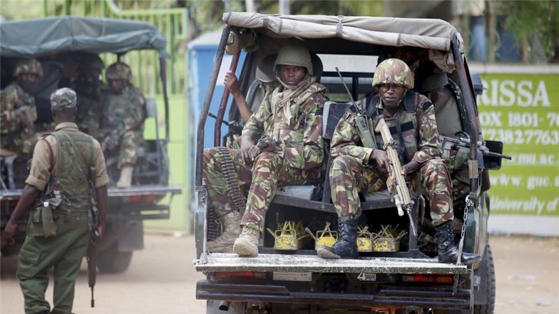 soldati su camionetta