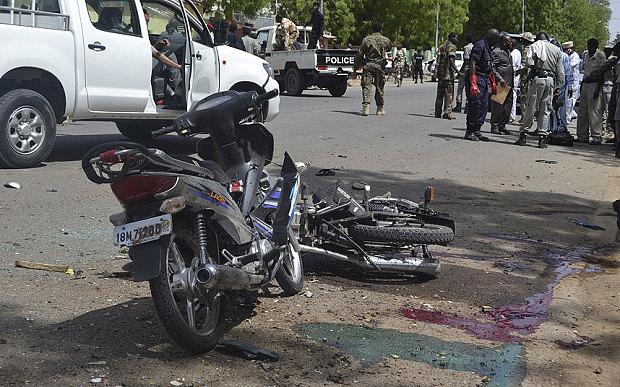 Motorbike-suicide-_3342048b