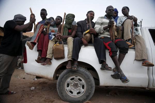 camionetta migranti 600
