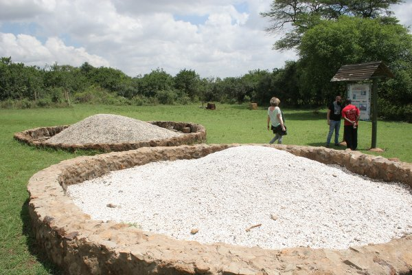 Cenere delle zanne bruciate-Ivory Burning Memorial Site Nairobi National Park, (foto © Sandro Pintus)