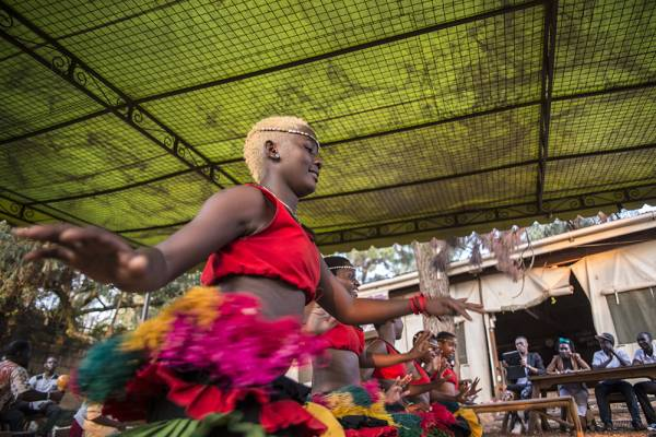 Madina Nalwanga, mentre danza fotografata da Damiano Rossi