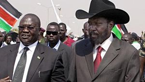 Sava Kiir a destra, Riek Machar a sinistra