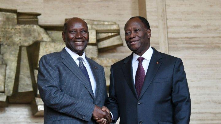 Costa d'Avorio Il primo ministro dimissionario, Daniel Kablan Duncan, a sinistra e il presidente Alassane Ouattara