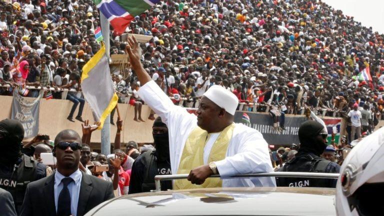 Giuramento a Banjul, Gambia, del presidente Adama Barrow