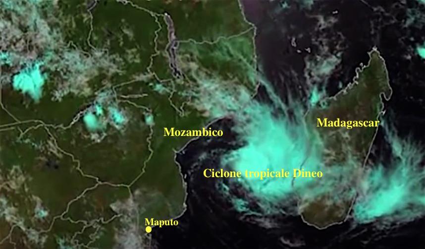 Ciclone tropicale Dineo visto dal satellite mentre si avvicina al Mozambico