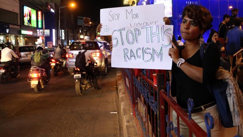 manifestazione in India contro gli africa