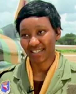 Thokozile Muwamba, la prima pilota di caccia dello Zambia