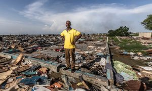 Desolazione dopo gli sgomberi forzati di villaggi abusivi di pescatori a Lagos