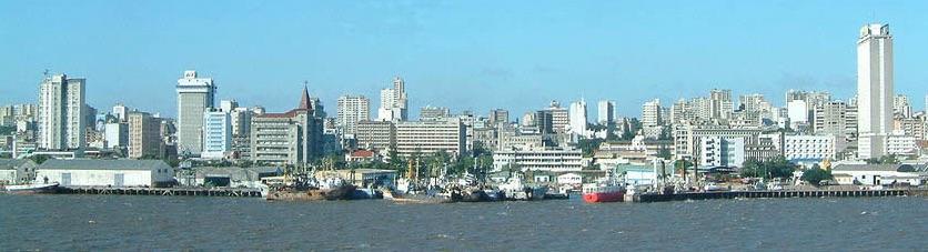 Panorama della capitale Maputo vista dalla baia