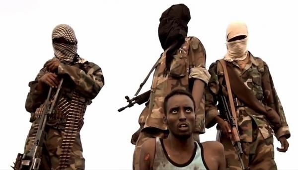 Terroristi di al shabaab si apprestano ad una delle tante esecuzioni