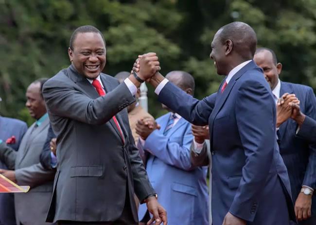Uhuru Kenyatta, presidente del Kenya e ils suo vicepresidente, William Rutu