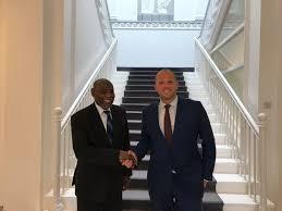 Theo Francken, Segretario di Stato belga per l'Asilo e l'Immigrazione e l'ambasciatore sudanese a Bruxelles, Mutrif Siddiq