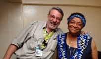 La presidente uscente della Liberia Ellen Johnson Sirleaf con il direttore di Africa ExPress, Massimo Alberizzi