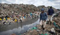 Una discarica di rifiuti tossici nei dintorni di Mombasa