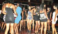 Ragazze in un night club Nairobi