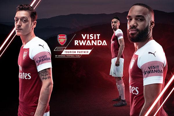 Visit Rwanda , la scritta sulla maglietta dell'Arsenal