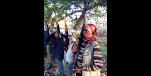 Fotogramma del video dei jihadisti che terrorizzano Cabo Delgado