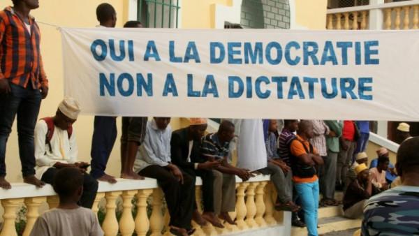 Manifestazione contro il referendum alle Comore