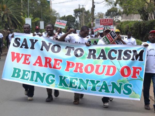 Naiorbi: dimostranti contro il razzismo