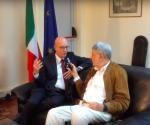 L'ambasciatore Itaiano in Kenya, Mauro Massoni, (a sin)  intervistato da Massimo Alberizzi