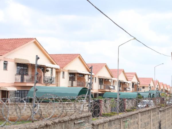Quartiere South C, Nairobi. E' in uno di questi bungalow che si prostituivano le ragazze cinesi