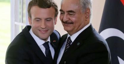 Macron con Haftar